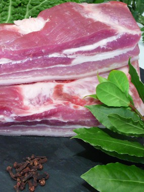 Poitrine de porc fraîche